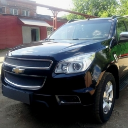 Защита радиатора Chevrolet Trailblazer 2013- (2 части) black PREMIUM